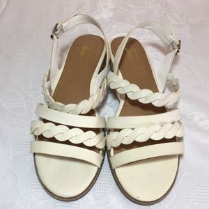🔥SALE🔥 G.h bass joliewht sandals size 8